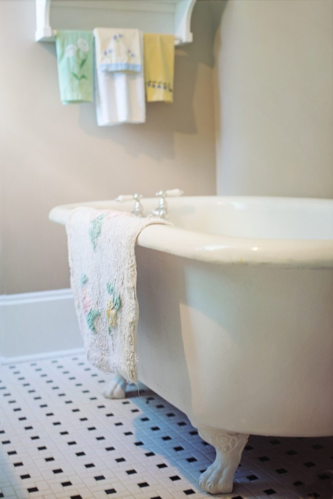 Clawfoot Tub Restoration | Quality Restoration, Inc. | Fort Wayne, IN